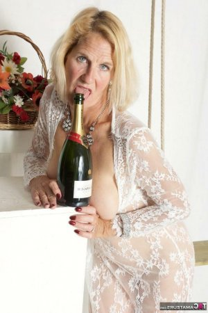 Azylis privat sex bordell in Erbach, BW